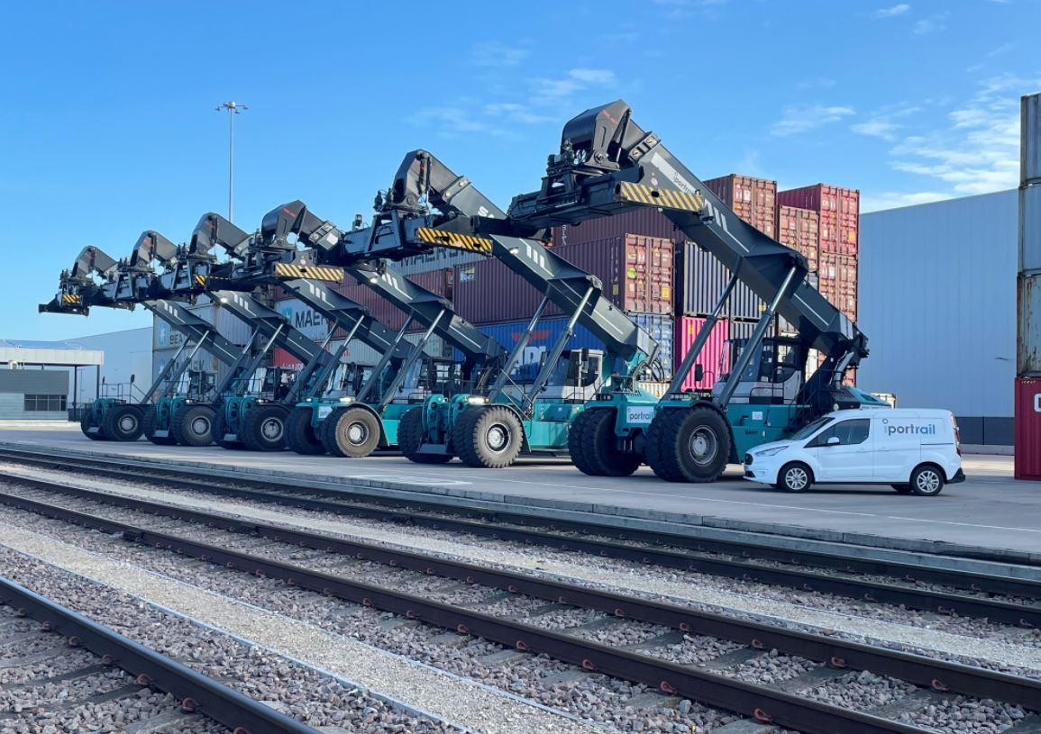 Capture iPort Rail